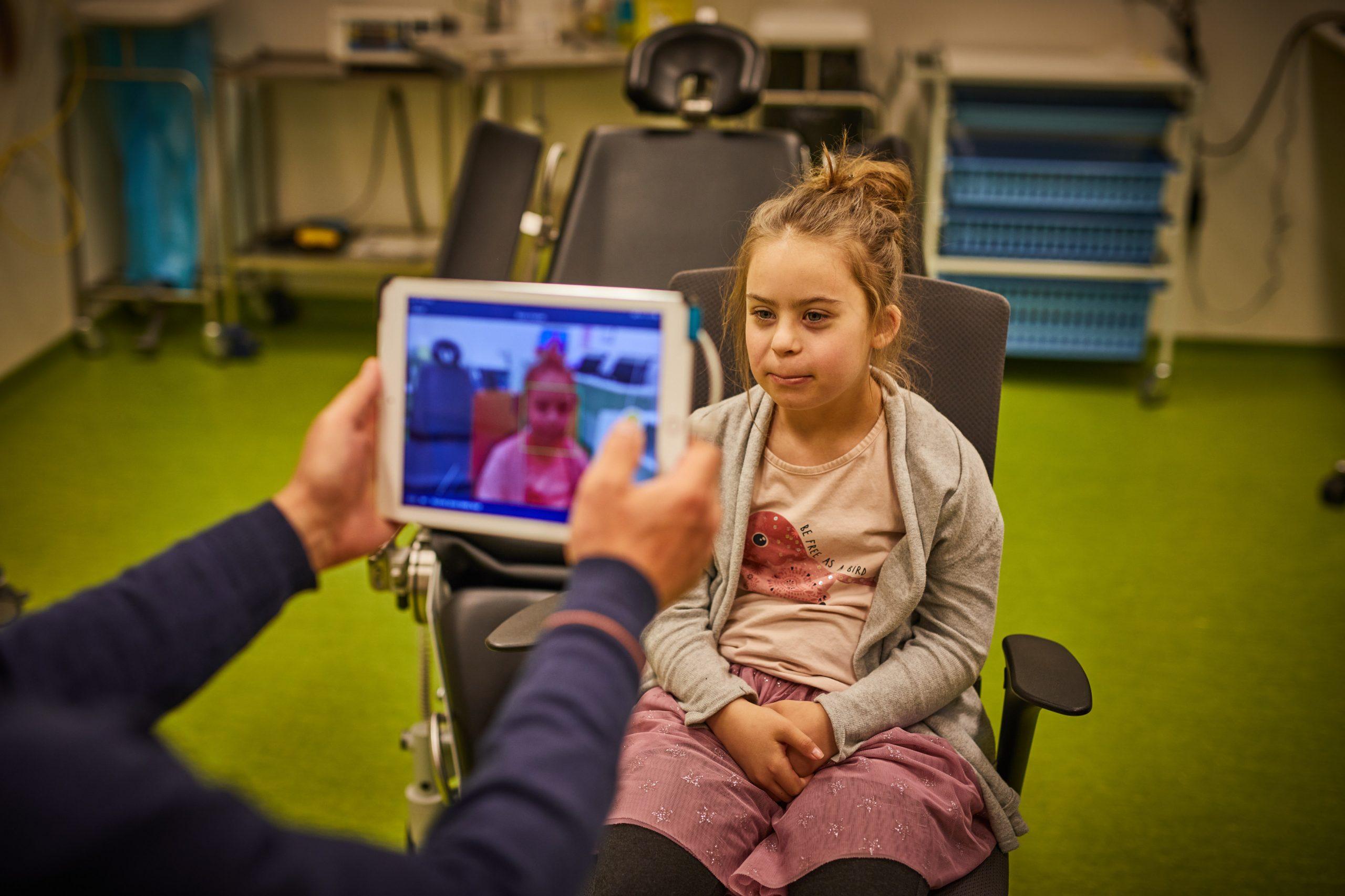 """Nationale Zorggids: """"Weer brilmetingen in Maasstad met Maatbril voor kinderen met Down"""""""