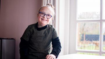 Een nieuwe Maatbril: een cadeautje voor maatje Akke!